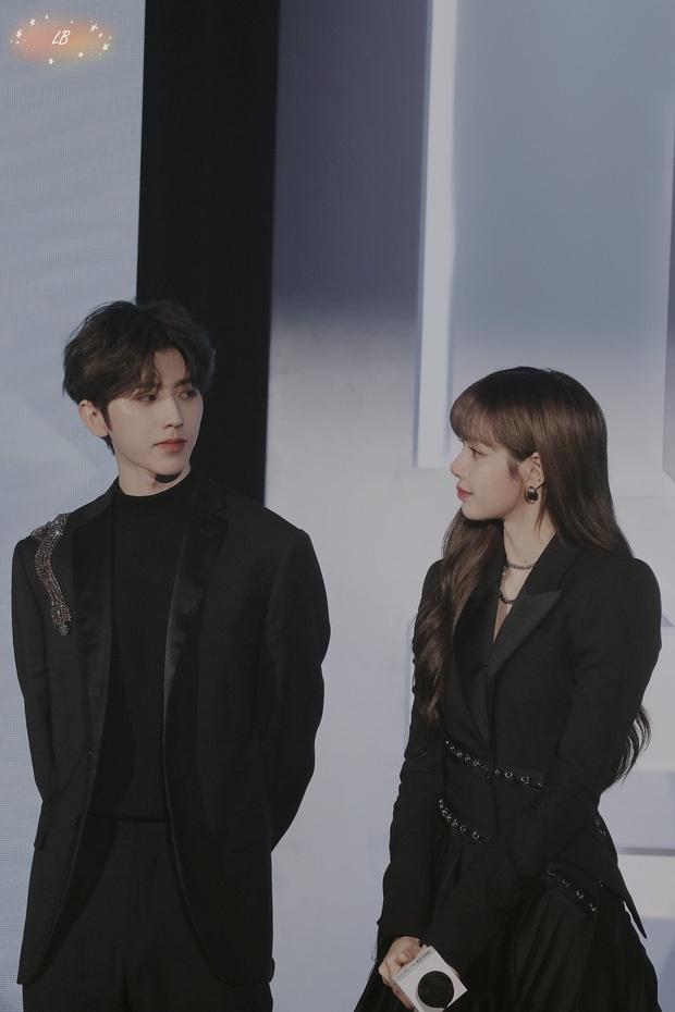 Lisa (BLACKPINK) rung chuyển châu Á vì tin đồn hẹn hò: Lộ cả tá hint với BTS - Thái Từ Khôn, ngỡ ngàng nhất là EXO - Ảnh 16.