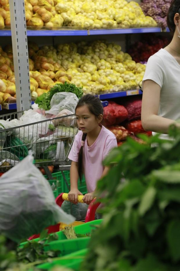 Bé Andy khen mẹ Thu Trang tới tấp dù bố Tiến Luật xếp vợ vào hội... Ghét Bếp - Ảnh 10.