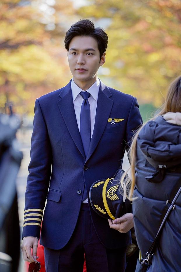 Tưởng vô lý, nhưng Quân vương Lee Min Ho sexy nhất khi... kín như bưng: Chỉ cần trang phục này là chị em vứt hết liêm sỉ - Ảnh 12.