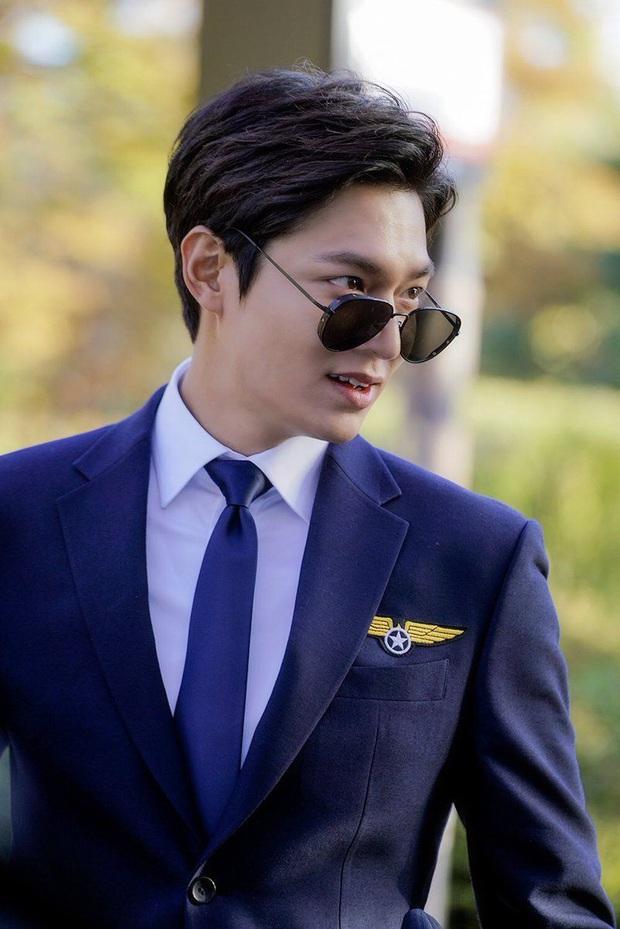 Tưởng vô lý, nhưng Quân vương Lee Min Ho sexy nhất khi... kín như bưng: Chỉ cần trang phục này là chị em vứt hết liêm sỉ - Ảnh 11.