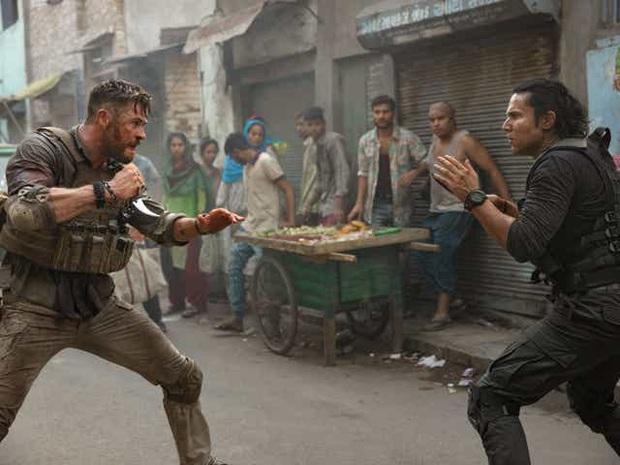 Extraction: Thor Chris Hemsworth đấm bay kẻ xấu cực đã mắt nhưng mất điểm vì kịch bản nghèo nàn - Ảnh 9.