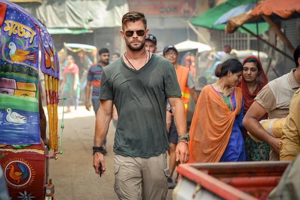 Extraction: Thor Chris Hemsworth đấm bay kẻ xấu cực đã mắt nhưng mất điểm vì kịch bản nghèo nàn - Ảnh 4.