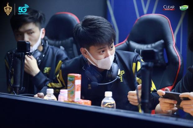 Không chỉ là giải đấu eSports số 1 Việt Nam, Đấu trường Danh vọng còn là nơi quy tụ cả rừng game thủ soái ca - Ảnh 13.