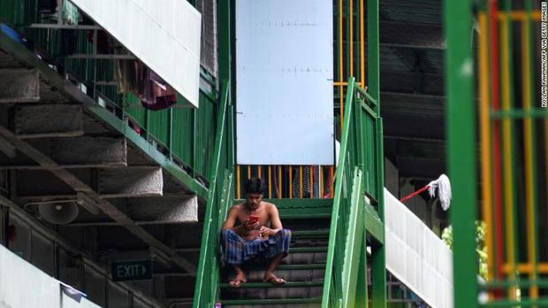 Covid-19 để lộ ra mặt trái của xã hội Singapore: Có một tầng lớp đã và đang bị phân biệt rõ ràng đến đáng sợ - Ảnh 6.