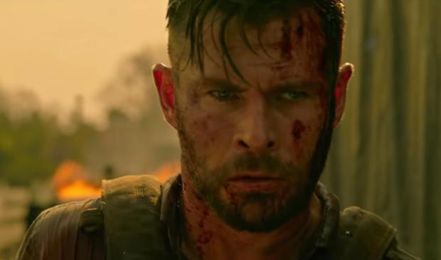 Extraction: Thor Chris Hemsworth đấm bay kẻ xấu cực đã mắt nhưng mất điểm vì kịch bản nghèo nàn - Ảnh 8.