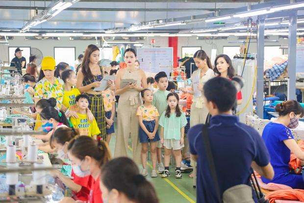 Model Kid: Thí sinh nhí dũng cảm nói sự thật, host Thúy Hạnh trách nhầm HLV Hương Ly trong tập Bán kết - Ảnh 1.