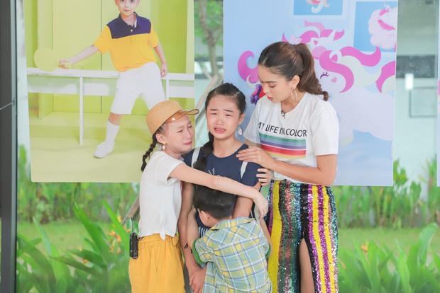 Model Kid: Thí sinh nhí dũng cảm nói sự thật, host Thúy Hạnh trách nhầm HLV Hương Ly trong tập Bán kết - Ảnh 6.