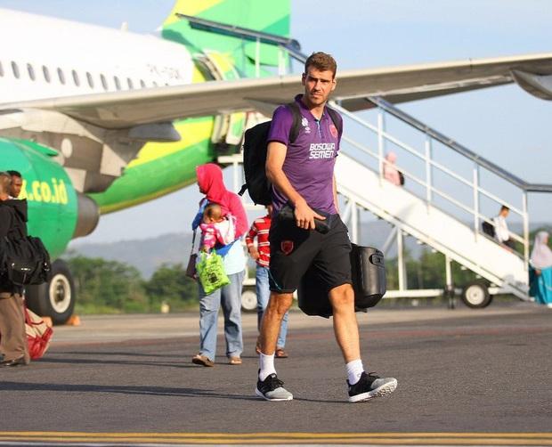 """Bạn có biết: Một tiền đạo phải rời V.League chỉ vì... """"Tào Tháo rượt"""", sau đó trở thành ngôi sao ở Indonesia? - Ảnh 1."""