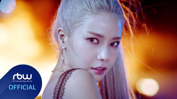 """Top 30 idol hot nhất hiện nay: BLACKPINK - EXO bỗng """"ngụp lặn"""" khó hiểu, ngôi vương không bất ngờ bằng loạt cái tên trong top 10 - Ảnh 5."""