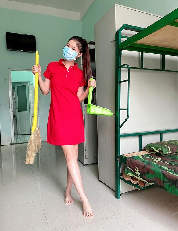Bà xã Đăng Khôi update tình hình đi cách ly ngày đầu: Cơm ngày 3 bữa ngon chuẩn mẹ nấu, sợ lúc trở về lăn thay vì đi - Ảnh 2.
