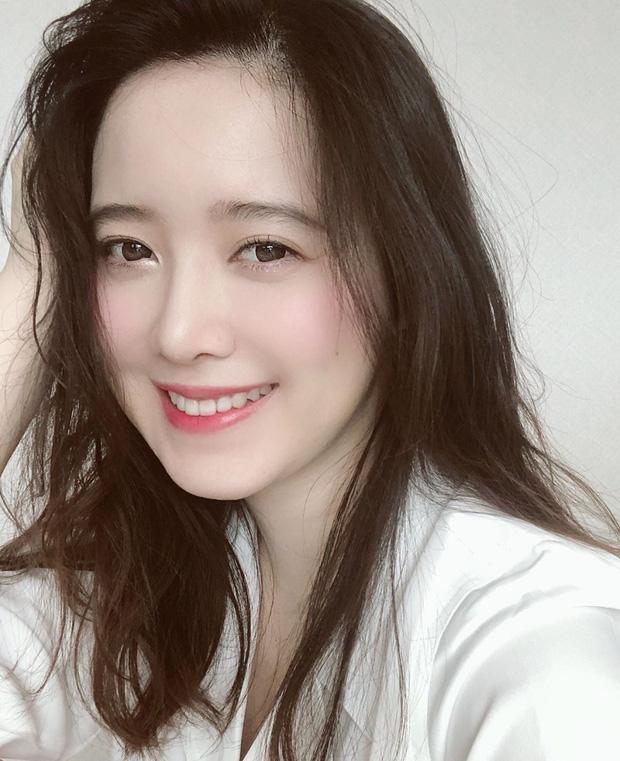 Chỉ với 1 bức ảnh, Goo Hye Sun đã khiến MXH dậy sóng, fan phấn khích vì sau 11 năm cả Geum Jan Di lẫn Goo Jun Pyo đều comeback - Ảnh 1.