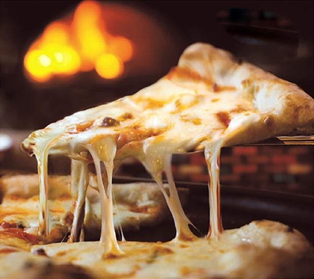 Góc bóc mẽ: Đồ ăn trên quảng cáo nhìn muốn rớt nước miếng nhưng hóa ra được làm từ những thứ không nuốt nổi - Ảnh 2.