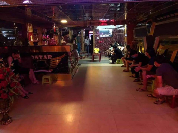 9 thanh niên nam nữ phê ma túy trong quán karaoke bất chấp lệnh cấm mở cửa đón khách - Ảnh 1.