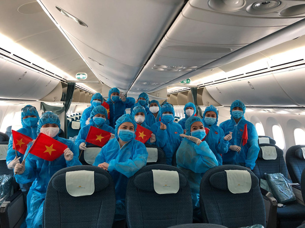 Đại diện Vietnam Airlines: Toàn bộ người lao động sẵn sàng tạm ngừng việc hoặc đi làm mà không hưởng lương - Ảnh 1.