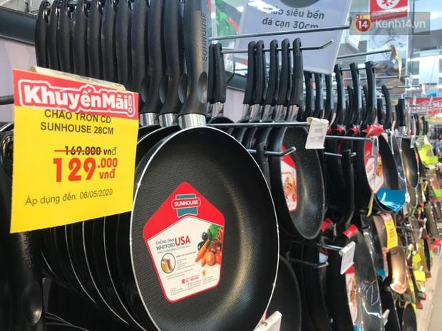 """Hàng Việt Nam áp đảo tại các siêu thị lớn ở Hà Nội: Nhiều mẫu mã, chất lượng đảm bảo, tội gì không dùng hàng Việt"""" - Ảnh 8."""