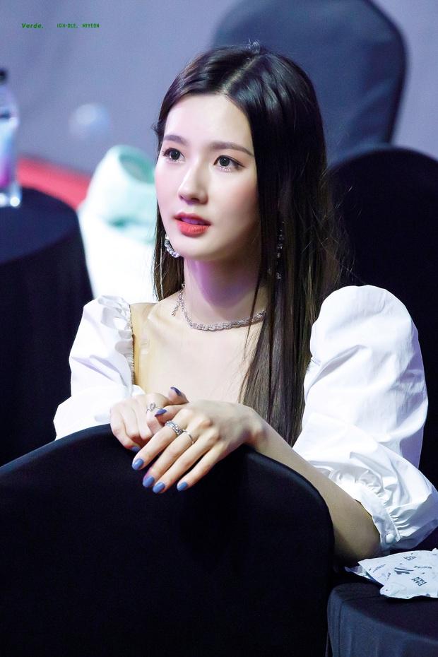 """Số phận thành viên """"hụt"""" của BLACKPINK: Mỹ nhân xinh không kém Jisoo debut rồi vẫn mờ nhạt, bạn thân Lisa ra mắt trong girlgroup thị phi - Ảnh 1."""