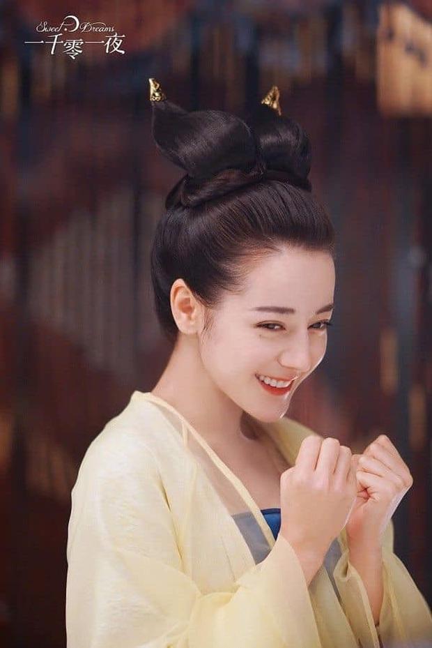 Khóc thét với loạt tạo hình kì lạ của mỹ nhân phim cổ trang Hoa ngữ: Đầu dưa lưới Châu Tấn chưa hú hồn bằng tóc rễ cây Dương Mịch - Ảnh 4.