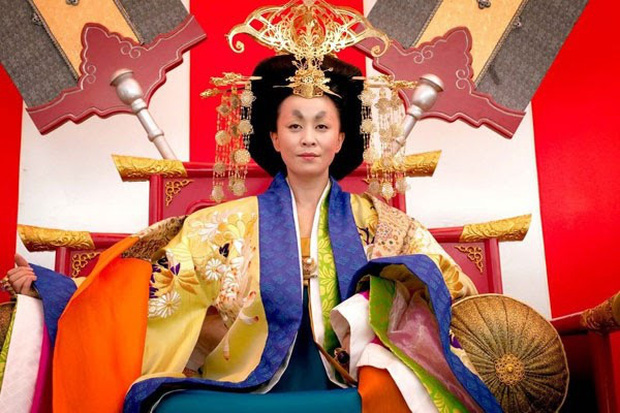 Khóc thét với loạt tạo hình kì lạ của mỹ nhân phim cổ trang Hoa ngữ: Đầu dưa lưới Châu Tấn chưa hú hồn bằng tóc rễ cây Dương Mịch - Ảnh 12.