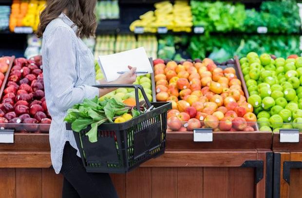 Covid-19 đang giúp các cửa hàng tạp hóa nhỏ tại Mỹ tăng gấp đôi doanh số, người dân thích tìm đến đây thay vì các siêu thị đông đúc - Ảnh 3.