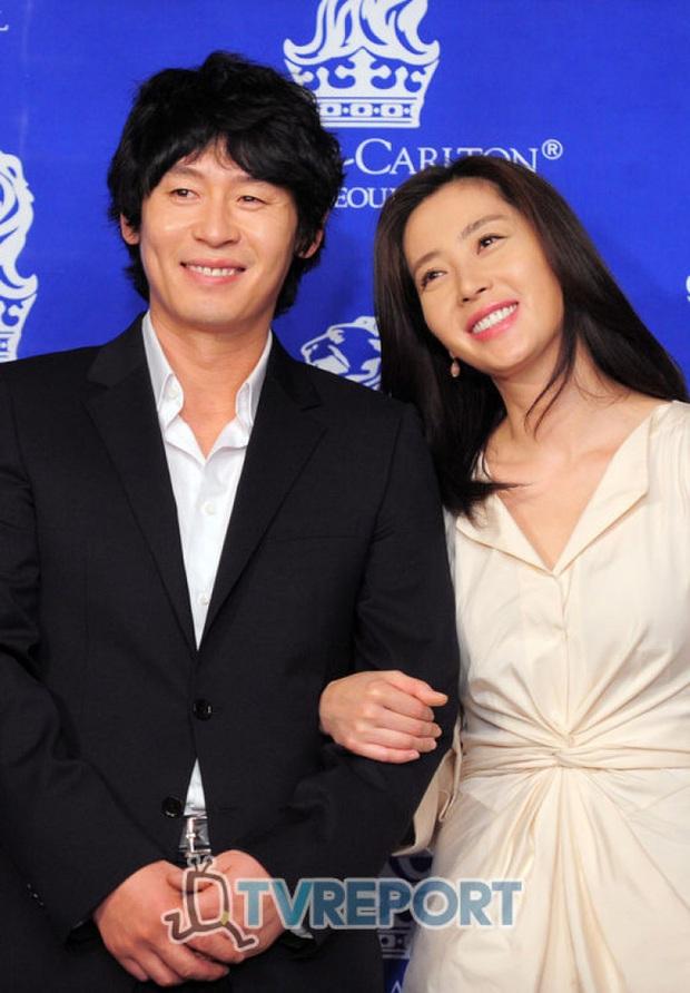 Hội bạn thân quyền lực chỉ toàn mỹ nhân của Song Hye Kyo: Ai cũng hôn nhân viên mãn, ông xã toàn là người máu mặt, chỉ riêng nàng em út mang danh bị chồng bỏ - Ảnh 5.