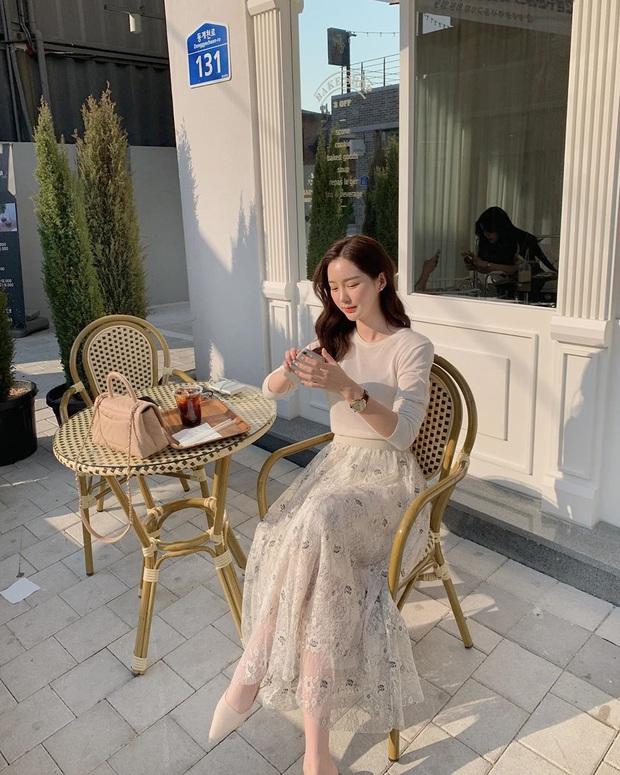 10 cách diện chân váy + áo trắng giúp nàng công sở xinh tươi trendy nguyên hè - Ảnh 5.