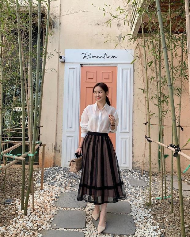 10 cách diện chân váy + áo trắng giúp nàng công sở xinh tươi trendy nguyên hè - Ảnh 8.