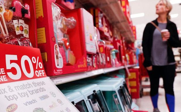 Covid-19 đang giúp các cửa hàng tạp hóa nhỏ tại Mỹ tăng gấp đôi doanh số, người dân thích tìm đến đây thay vì các siêu thị đông đúc - Ảnh 1.