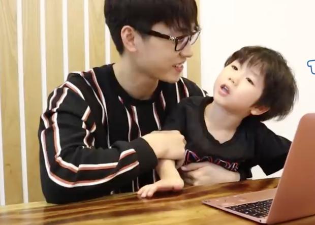 Xoài lăn lộn, Đậu ngơ ngác, Cam bẽn lẽn react lại chính clip mình tham gia show thực tế - Ảnh 4.
