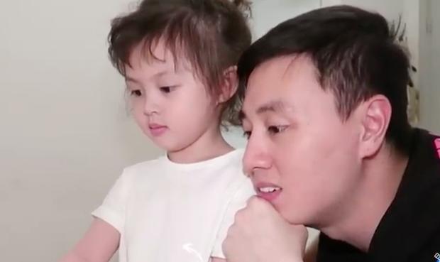 Xoài lăn lộn, Đậu ngơ ngác, Cam bẽn lẽn react lại chính clip mình tham gia show thực tế - Ảnh 5.