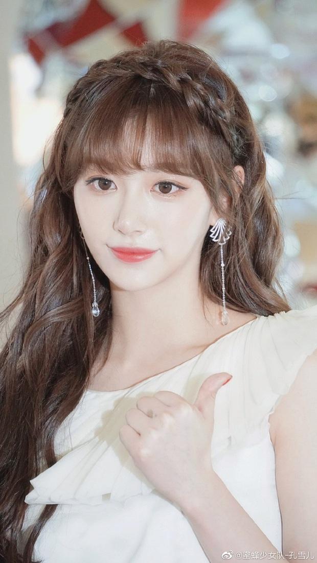 BIG3 tề tựu tại show có Lisa: Cựu trainee SM áp đảo visual, đại diện YG người ở người đi, JYP có cựu trainee là mỹ nhân lắm tài nhiều tật - Ảnh 13.