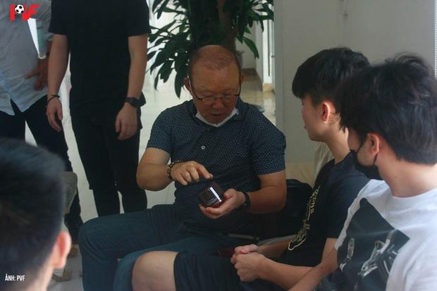 Dàn khách mời khủng tham dự bữa tiệc sinh nhật của Lương Xuân Trường: Thầy Park góp mặt - Ảnh 5.