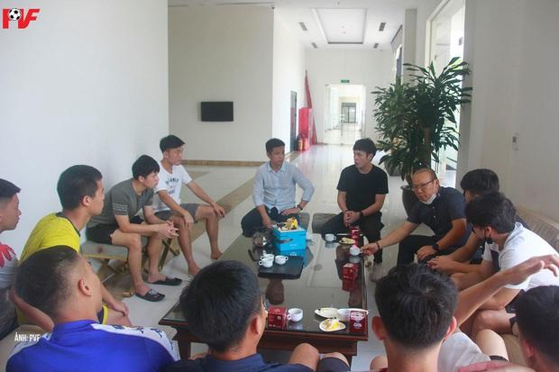 Dàn khách mời khủng tham dự bữa tiệc sinh nhật của Lương Xuân Trường: Thầy Park góp mặt - Ảnh 4.