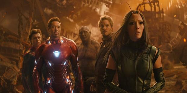 """Endgame lãi gần tỷ đô cũng không sốc bằng """"cảnh nóng"""" bị cắt giữa Hulk và Black Widow - Ảnh 4."""