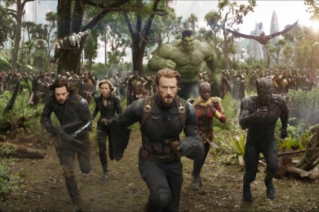 Netizen náo loạn trước những cảnh bị cắt ở Infinity War: Doctor Strange mặc đồ Iron Man hay hậu trường móc mắt gây sốc hơn? - Ảnh 1.