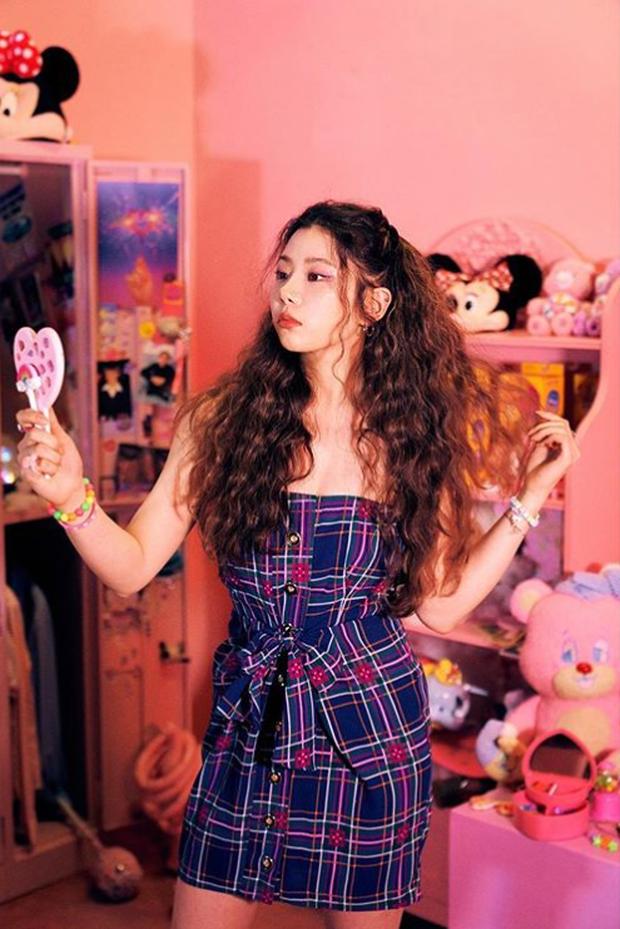 """Số phận thành viên """"hụt"""" của BLACKPINK: Mỹ nhân xinh không kém Jisoo debut rồi vẫn mờ nhạt, bạn thân Lisa ra mắt trong girlgroup thị phi - Ảnh 14."""