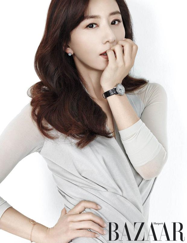 Bà cả Thế giới hôn nhân Kim Hee Ae: Ảnh hậu lấy Bill Gates xứ Hàn, con học trường quốc tế, U55 vẫn gây sốc vì cảnh 18+ - Ảnh 4.