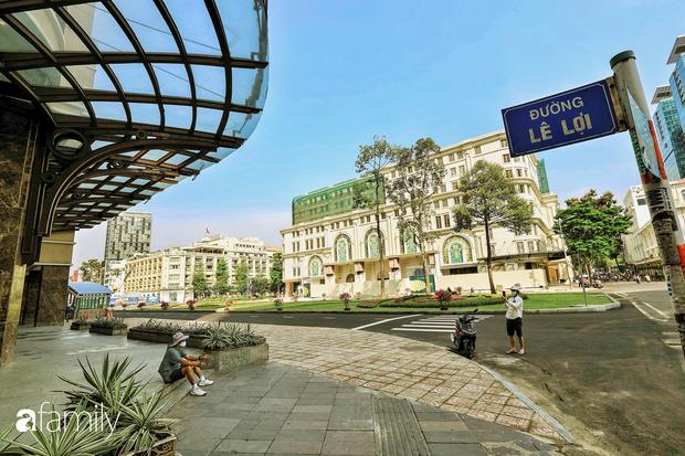 Người Sài Gòn choáng ngợp trước khung cảnh đại lộ Lê Lợi - Nguyễn Huệ - Đồng Khởi đẹp như trong mơ sau khi gỡ rào chắn để xây ga ngầm Metro - Ảnh 9.