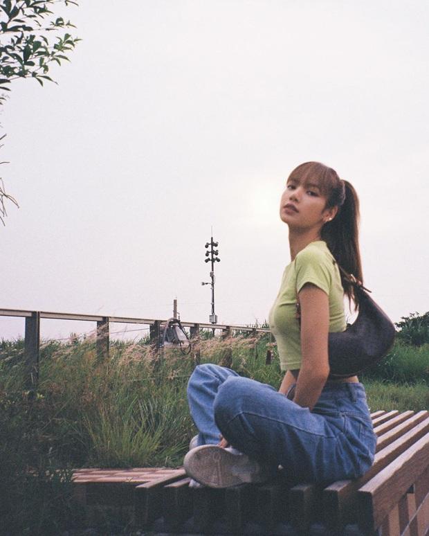 Bật mí 4 gam màu trang phục siêu cấp ăn ảnh, các mỹ nhân Hàn đã áp dụng và có được bao tấm hình đẹp muốn xỉu - Ảnh 11.
