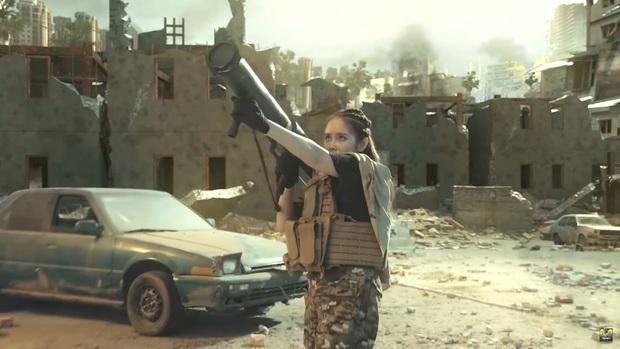 Chán làm streamer, vợ chồng Cris Phan - Mai Quỳnh Anh nhập vai du kích, chiến đấu tưng bừng trong Call Of Duty: Mobile VN - Ảnh 6.