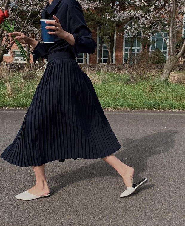 Thiếu đi 5 mẫu giày dép này, style mùa Hè của bạn dự là sẽ bớt đi vài phần sành điệu - Ảnh 6.