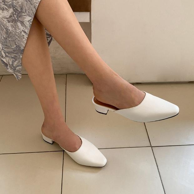 Thiếu đi 5 mẫu giày dép này, style mùa Hè của bạn dự là sẽ bớt đi vài phần sành điệu - Ảnh 8.