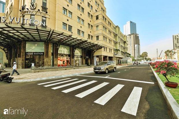 Người Sài Gòn choáng ngợp trước khung cảnh đại lộ Lê Lợi - Nguyễn Huệ - Đồng Khởi đẹp như trong mơ sau khi gỡ rào chắn để xây ga ngầm Metro - Ảnh 7.