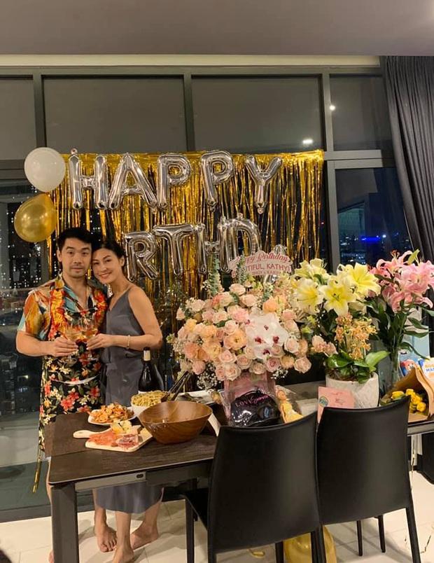 Kathy Uyên khoe được bạn trai triệu đô yêu chiều hết lòng: Tự tay vào bếp, tổ chức sinh nhật cực lãng mạn tại nhà - Ảnh 6.