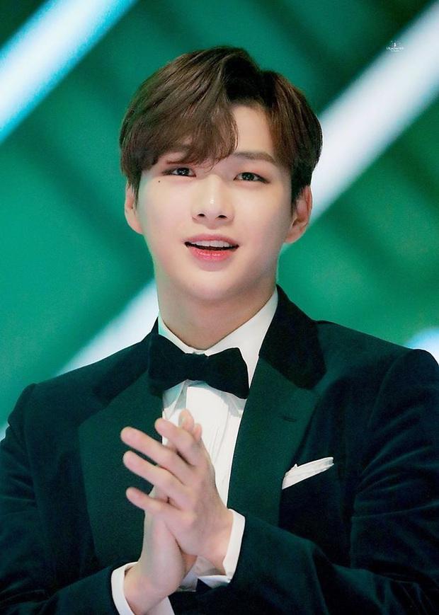 4 quán quân Produce đen đủi bậc nhất Kpop: Người lận đận debut, kẻ dính phốt thái độ - Ảnh 7.