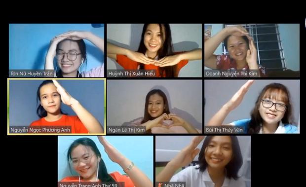 Thử thách dance cover mùa dịch: Cô trò gây sốt khi bắt trend nhảy Ghen Cô Vy ngay trên ứng dụng Zoom - Ảnh 2.