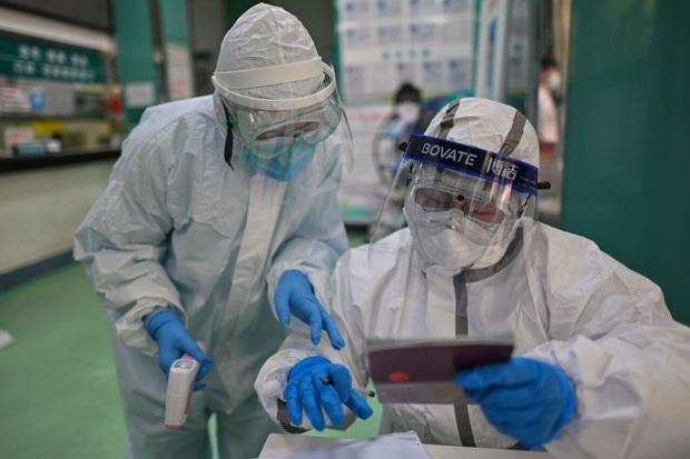 Nghiên cứu mới về nguy cơ SARS-CoV-2 lây nhiễm trong không khí - Ảnh 1.