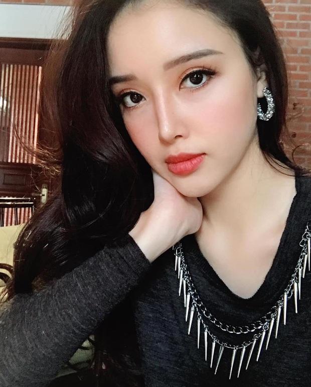 Nhìn gen mỹ nhân nhà Mai Phương Thúy mà choáng: Chị Hoa hậu, em xinh nức tiếng chưa bằng màn lột xác của cô em họ - Ảnh 4.