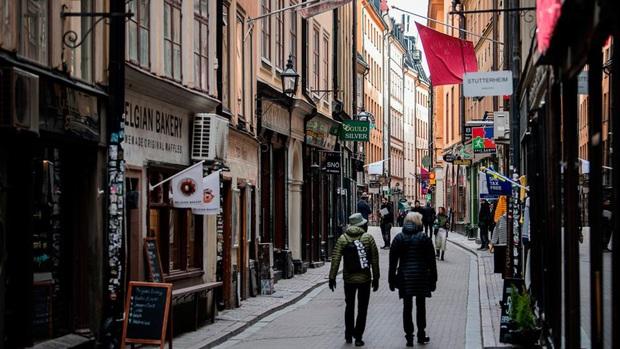 Giữa châu Âu có một đất nước hoàn toàn ổn khi thi hành cách ly xã hội: Chúng tôi ngại hòa đồng, nhưng cực giỏi ở một mình - Ảnh 2.