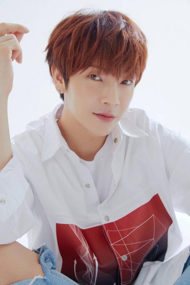 Không phải Jaejoong, đây mới là ca sĩ Hàn Quốc đầu tiên bị nhiễm COVID-19 - Ảnh 2.