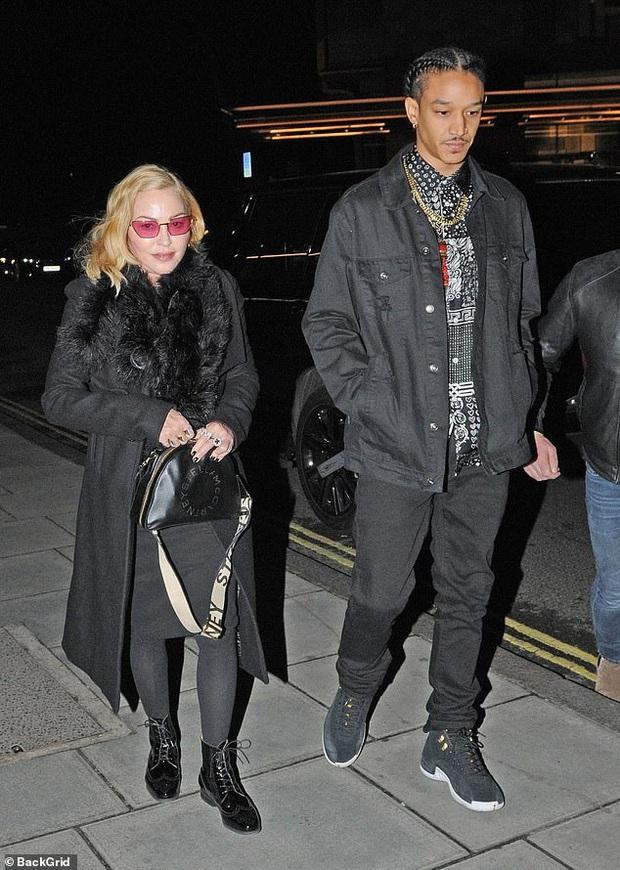 Dennis Rodman,trai hư độc nhất tại NBA và sự thật ẩn sau câu chuyện được Madonna trả 20 triệu USD để xin một đứa con - Ảnh 5.